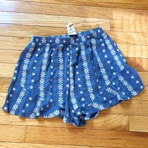 LF Stores Mint Vanilla Woven Shorts 10 M Blue